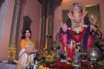 Sophie Choudry at Ganpati mandal on 9th Sept 2016 (45)_57d417f8bd78a.JPG