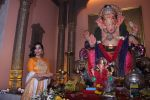 Sophie Choudry at Ganpati mandal on 9th Sept 2016 (46)_57d417f96465e.JPG