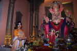Sophie Choudry at Ganpati mandal on 9th Sept 2016 (48)_57d417fa9d389.JPG