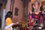 Sophie Choudry at Ganpati mandal on 9th Sept 2016 (50)_57d417fbea87a.JPG
