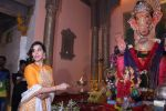Sophie Choudry at Ganpati mandal on 9th Sept 2016 (52)_57d417fd33278.JPG