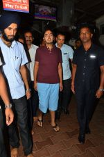 Anant Ambani snapped at Siddhivinayak Temple on 10th Sept 2016 (21)_57d50442ad793.JPG