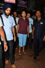 Anant Ambani snapped at Siddhivinayak Temple on 10th Sept 2016 (24)_57d504467c538.JPG