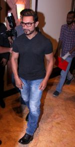 Aamir Khan at the launch of Global Citizen India on 11th Sept 2016 (6)_57d6c240c4f70.JPG