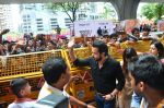Emraan Hashmi visited Mumbai Cha Raja Ganesh Galli on 11th Sept 2016 (29)_57d64dd4eb544.JPG