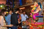 Emraan Hashmi visited Mumbai Cha Raja Ganesh Galli on 11th Sept 2016 (39)_57d64ddc9047b.JPG