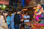 Emraan Hashmi visited Mumbai Cha Raja Ganesh Galli on 11th Sept 2016 (40)_57d64dde740c3.JPG