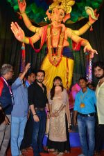 Emraan Hashmi visited Mumbai Cha Raja Ganesh Galli on 11th Sept 2016 (45)_57d64de4de832.JPG
