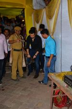 Emraan Hashmi visited Mumbai Cha Raja Ganesh Galli on 11th Sept 2016 (47)_57d64de6e5d45.JPG