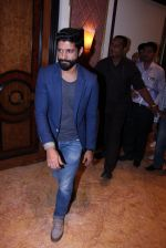 Farhan Akhtar at the launch of Global Citizen India on 11th Sept 2016 (20)_57d6c25bc652c.JPG