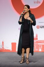 Kareena Kapoor Khan at the launch of Global Citizen India on 11th Sept 2016 (27)_57d6c33970e6f.JPG