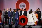 Kareena Kapoor Khan, Farhan Akhtar, Amitabh Bachchan, Aamir Khan at the launch of Global Citizen India on 11th Sept 2016 (68)_57d6c2f4a957c.JPG