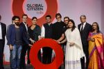 Kareena Kapoor Khan, Farhan Akhtar, Amitabh Bachchan, Aamir Khan at the launch of Global Citizen India on 11th Sept 2016 (78)_57d6c2900e44d.JPG