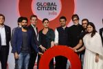 Kareena Kapoor Khan, Farhan Akhtar, Amitabh Bachchan, Aamir Khan at the launch of Global Citizen India on 11th Sept 2016 (80)_57d6c2cc463b0.JPG