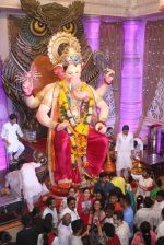 Tammanah Bhatia at Lalbaugcha Raja on 11th Sept 2016 (24)_57d64dc700fcf.JPG