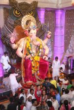 Tammanah Bhatia at Lalbaugcha Raja on 11th Sept 2016 (25)_57d64dc92f481.JPG