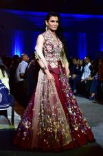 at Suneet Varma_s Couture Show at DLF Emporio in Delhi on 11th Sept 2016 (125)_57d64c3ab0444.JPG