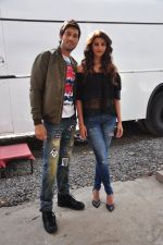 Daisy Shah,Rishi Bhutani on location of film Ramratan on 12th Sept 2016 (22)_57d7a4b64112e.JPG