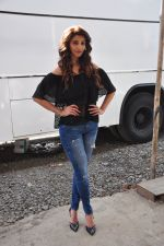 Daisy shah on location of film Ramratan on 12th Sept 2016 (13)_57d7a43be5627.JPG