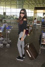 Gizele Thakral snapped at airport on 12th Sept 2016 (11)_57d76c70bfce8.JPG
