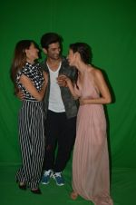 Kiara Advani, Sushant Singh Rajput,Disha Patani at the promotion of M S Dhoni on 13th Sept 2016 (1)_57d7eafa7de9b.jpg