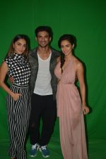 Kiara Advani, Sushant Singh Rajput,Disha Patani at the promotion of M S Dhoni on 13th Sept 2016 (6)_57d7eafc22a17.jpg