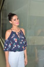 Nargis Fakhri promote their movie Banjo at BIG FM on 12th Sept 2016 (30)_57d76d6036e72.JPG