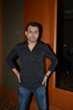 Neeraj Pandey snapped at the promotion of M S Dhoni movie on 12th Sept 2016 (4)_57d76cd8d6bec.JPG