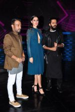 Ritesh Deshmukh and Nargis Fakhri on the sets of Dance Plus on 12th Sept 2016 (38)_57d79fa2cd17d.JPG