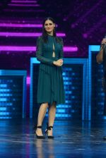 Ritesh Deshmukh and Nargis Fakhri on the sets of Dance Plus on 12th Sept 2016 (70)_57d79fa50f613.JPG
