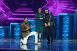 Ritesh Deshmukh and Nargis Fakhri on the sets of Dance Plus on 12th Sept 2016 (89)_57d7a0c5841f3.JPG