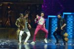 Ritesh Deshmukh on the sets of Dance Plus on 12th Sept 2016 (103)_57d7a0f0f232c.JPG