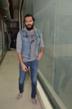 Ritesh Deshmukh promote their movie Banjo at BIG FM on 12th Sept 2016 (63)_57d76da9aea05.JPG