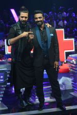 Ritesh Deshmukh, Remo D Souza on the sets of Dance Plus on 12th Sept 2016 (85)_57d7a4be9fade.JPG