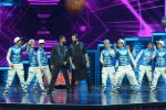 Ritesh Deshmukh, Remo D Souza on the sets of Dance Plus on 12th Sept 2016 (86)_57d7a0e54d9d9.JPG
