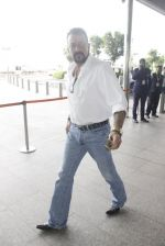Sanjay Dutt snapped at airport on 12th Sept 2016 (10)_57d76ca0df8ce.JPG