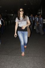 Zarine Khan snapped at airport on 12th Sept 2016 (17)_57d76cc269f4b.JPG