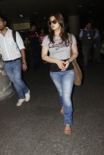 Zarine Khan snapped at airport on 12th Sept 2016 (18)_57d76cc31c4f5.JPG