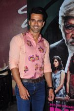 Anuj Sachdeva at Pink screening in Mumbai on 13th Sept 2016 (19)_57d8f9374a104.JPG