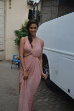 Disha Patani snapped promoting M.S. Dhoni - The Untold Story on 13th Sept 2016 (66)_57d8f98c3d5db.JPG
