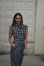Kiara Advani snapped promoting M.S. Dhoni - The Untold Story on 13th Sept 2016 (119)_57d8f9f383863.JPG