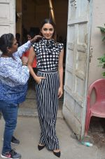 Kiara Advani snapped promoting M.S. Dhoni - The Untold Story on 13th Sept 2016 (121)_57d8f9f65bbc3.JPG