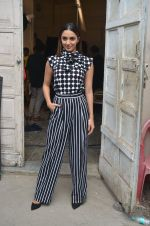 Kiara Advani snapped promoting M.S. Dhoni - The Untold Story on 13th Sept 2016 (124)_57d8f9fa11241.JPG