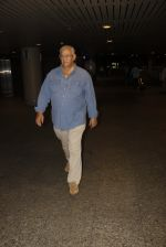 Roy Kapur, Salome Roy Kapur snapped at airport on 13th Sept 2016 (9)_57d8f529374ca.JPG