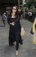 Sania Mirza snapped at airport on 13th Sept 2016 (12)_57d8f53570176.JPG