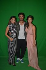 Sushant Singh Rajput, Kiara Advani, Disha Patani snapped promoting M.S. Dhoni - The Untold Story on 13th Sept 2016 (48)_57d8fa10b0035.JPG