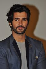 Aditya Seal at the Audio release of Tum Bin 2 on 14th Sept 2016 (123)_57da43fb93651.JPG