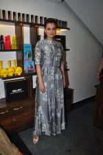 Dia Mirza launches Bblunt in Malad on 14th Sept 2016 (40)_57da40bb7a272.JPG