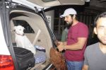 Randeep Hooda snapped at airport on 14th Sept 2016 (8)_57da411665253.JPG