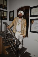 Daler Mehndi talks about Mirzya music on 14th Sept 2016 (8)_57db8d6652a58.JPG